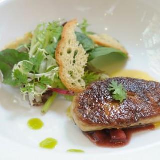 Pan Seared Foie Gras w/ Apple Burgundy Sauce - 位於大角咀的Starry Night (大角咀)   香港
