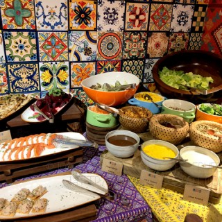 Set Lunch: Antipasti buffet  - 位於中環的MEXUS (中環) | 香港