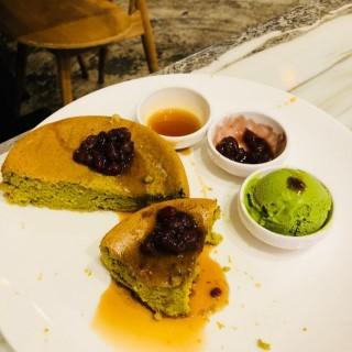 綠茶紅豆厚焗鬆餅 - 位於旺角的HeSheEat (旺角) | 香港