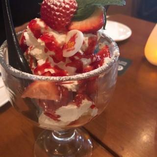 Strawberry Eton mess - 位於尖沙咀的Wildfire Pizzabar (尖沙咀)   香港