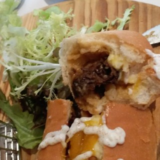 Brunch lobster roll - warning, unexpected mushrooms - 位於的Heritage Parlour (尖沙咀) | 香港