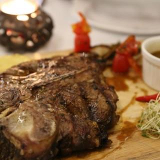燒烤葡萄牙進口T骨牛排 -  dari Antonio Restaurant (氹仔舊城區) di 氹仔舊城區 |Macau