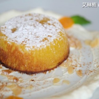 南瓜蛋糕配乳酪慕絲 -  dari FADO The Legendary Portuguese Cuisine (東望洋) di 東望洋 |Macau