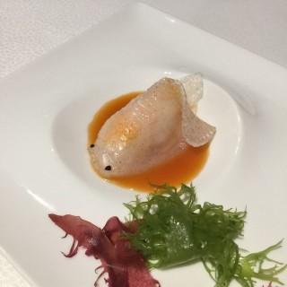 龍蝦湯金魚餃 -  dari Pearl Dragon (路氹城) di 路氹城 |Macau