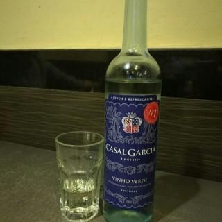 葡萄牙白酒 -  dari Lam Kei Siu Hau (黑沙環) di 黑沙環 |Macau