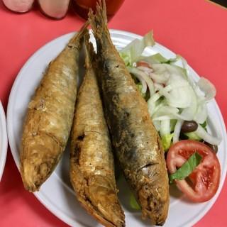 燒沙甸魚 -  dari 坤記餐室 (新馬路) di 新馬路 |Macau