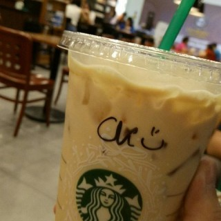 Iced Caffe Latte With Vanilla Syrup  -  Kepong / Starbucks Coffee (Kepong)|Klang Valley