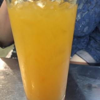 Fresh Orange Juice - 位于的Mrs Pho (美芝路) | 新加坡