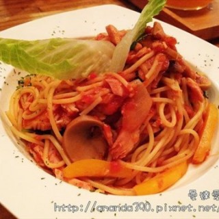 East District's FADOW CAFE (East District)|Hsinchu / Miaoli